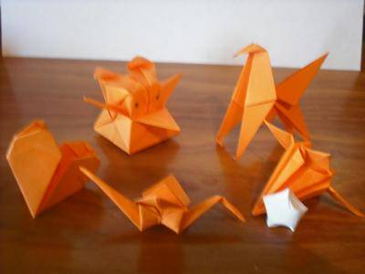 3D Paper Stars from Post-It Notes | 3d paper star, Paper stars ... | 300x400